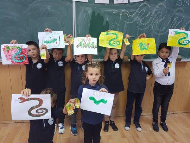 """OSCAR, ȘARPELE HOINAR a trecut şi pe la Şcoala """"Mircea Vodă"""""""